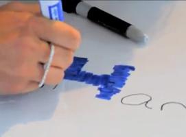 Jak usunąć ślady permanentnego markera z tablicy