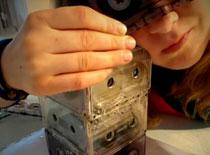 Jak zrobić lampę z kaset magnetofonowych