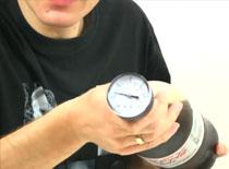 Jak zmierzyć ciśnienie w bombie z coli i mentosów (cola fail)