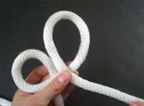 Jak przywiązać linę do barierki lub kija