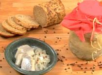 Jak zrobić śledzia po wiejsku w cebuli