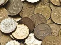 Jak wyczyścić monety za pomocą coli