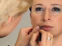 Jak optyczne wysmuklić twarz