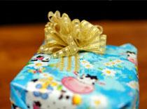 Jak zrobić przyczepianą kokardkę na prezent