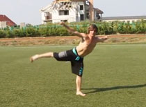 Jak wykonać Butterfly Twist w akrobatyce