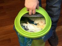 Jak rozwiązać problem zasysających się worków na śmieci