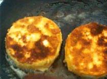 Jak usmażyć chrupiącego i rozpływającego się Camemberta
