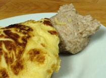 Jak zrobić misia pod omletem - śniadanie dla dziecka