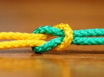 Jak zawiązać węzeł płaski