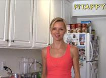 Jaki zrobić napój po treningu - shake bananowo truskawkowy