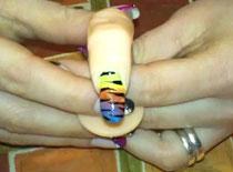 Jak zrobić na paznokciach kolorowe ombre w motywem zebry