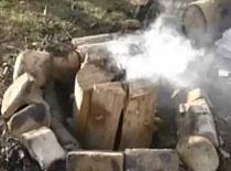 Jak rozpalić ognisko po szwedzku