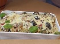 Jak zrobić makaron zapiekany z warzywami