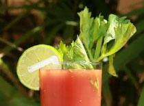 Jak zrobić znanego drinka - Krwawa Mary