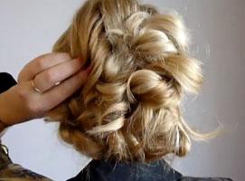 Jak wykonać łatwe upięcie z włosów długich i średnich