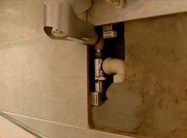 Jak zamontować syfon pod umywalką - ciekawe rozwiązanie