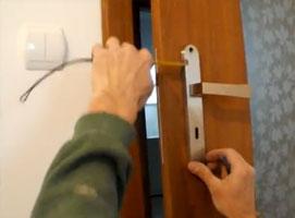 Jak zamontować klamkę