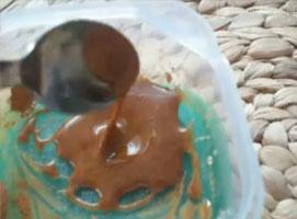 Jak zrobić maseczkę dla cery skłonnej do wyprysków