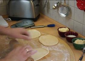 Jak zrobić drożdżówki z serem