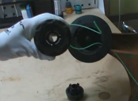 Jak nawinąć żyłkę do podkaszarki