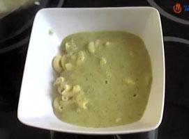 Jak zrobić zupę brokułową z gorgonzolą