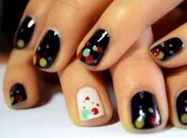 Jak pomalować paznokcie w kropki za pomocą wykałaczki