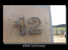 Jak zrobić tabliczkę z numerem domu z gwoździ