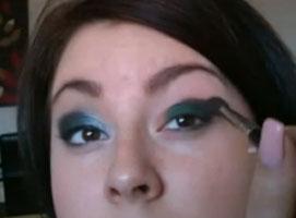 Jak zrobić zielony smoky eyes paletką Sleek
