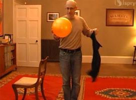 Jak wygląda sekret sztuczki z piłką i chustką