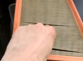 Jak wymienić filtr powietrza w Skoda Fabia I