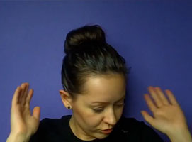 Jak zrobić szybką fryzurę - skarpetkowy kok