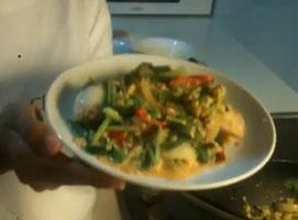 Jak przygotować smażone kalmary nadziewane z curry