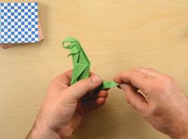 Jak złożyć T-Rex'a z papieru