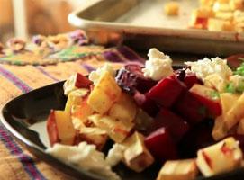 Jak zrobić sałatkę z pieczonych warzyw