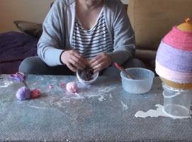 Jak zrobić lampkę z włóczki