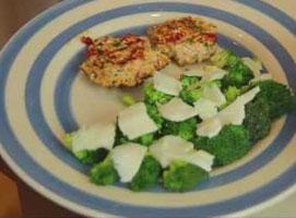 Jak zrobić kotlety mielone z łososia z chrupiącym brokułem