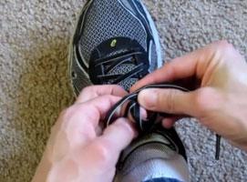 Jak dobrze zawiązać buty
