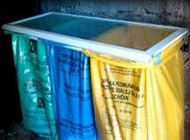 Jak zrobić uchwyt na worki do segregacji śmieci