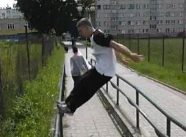 Jak wykonać Precision Jump w Parkour