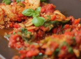 Jak przygotować pierś z indyka w białym winie i pomidorach