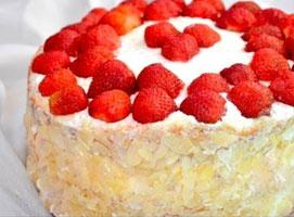 Jak zrobić tort truskawkowy z kokosem