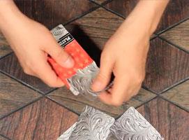 Jak zrobić skrytkę z talii kart
