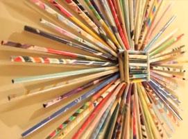Jak zrobić ozdobę na ścianę z papierowych rurek
