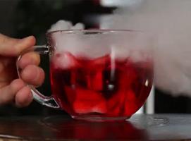 Jak wykonać 5 trików z suchym lodem