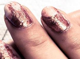 Jak zrobić manicure metodą wodną