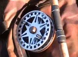 Jak łowić metodą przepływanki z kołowrotkiem o ruchomej szpuli