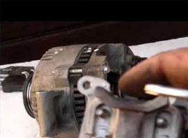 Jak naprawić alternator w Fordzie Mondeo