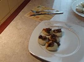Jak zrobić pyzy z mięsem i pieczarkami