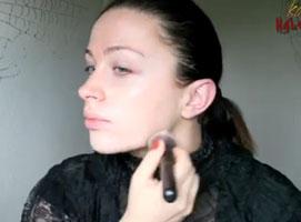 Jak zrobić make up na Halloween - wampirzyca
