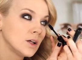 Jak zrobić make up rozświetlający